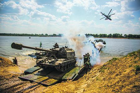 Самоходные артиллерийские установки – главное средство огневого поражения на поле боя. Фото с сайта www.mil.ru