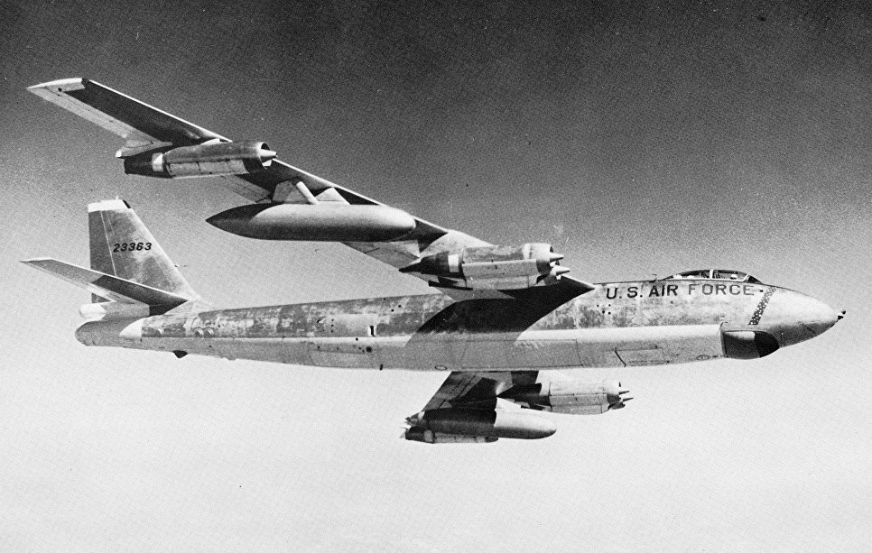 Самолет Boeing B-47E.