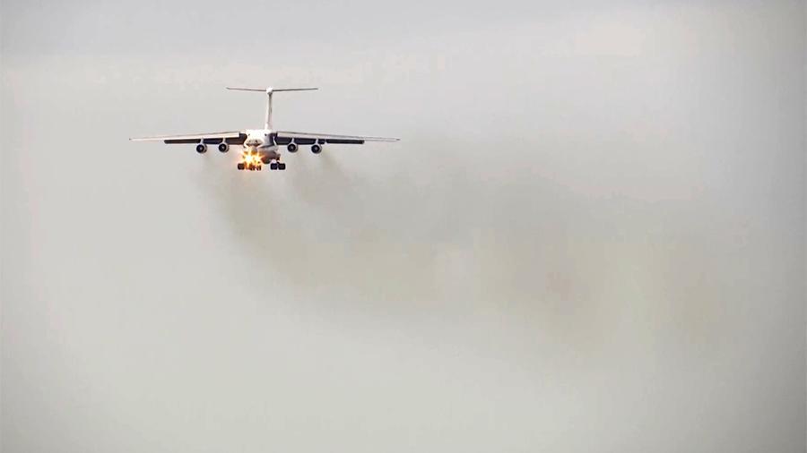 Самолет ВКС России вылетел в США с грузом медпомощи