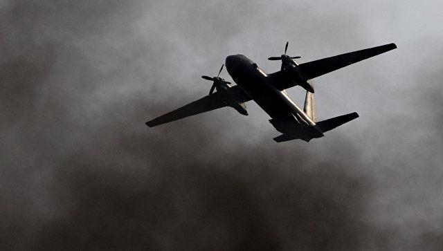Самолет Ан-26. архивное фото.