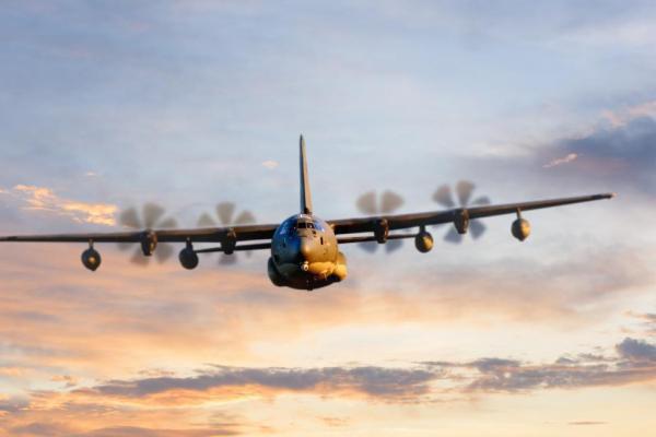 Самолет C-130J в конфигурации специального назначения.