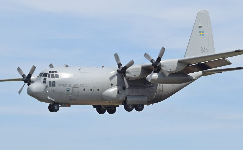 Самолет Lockheed Martin C-130 ВС Швеции.