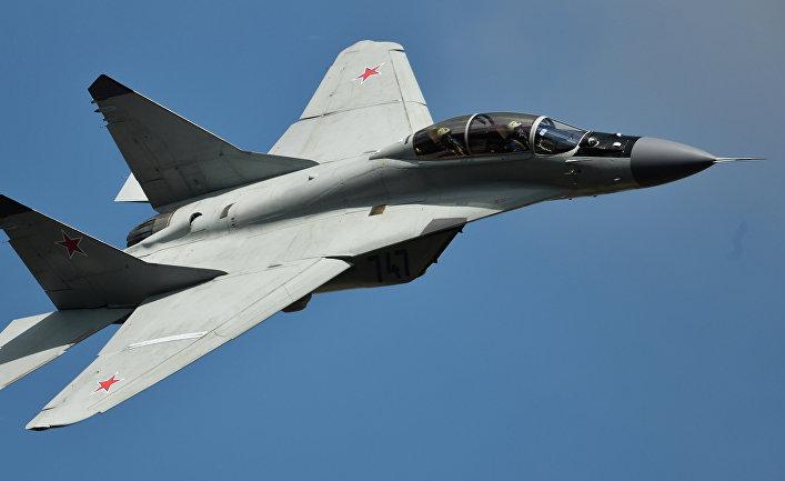Самолет МиГ-35.