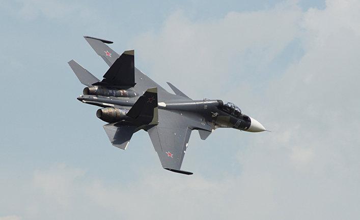 Самолет Су-30СМ.