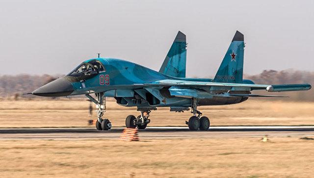 Самолет Су-34. Архивное фото.
