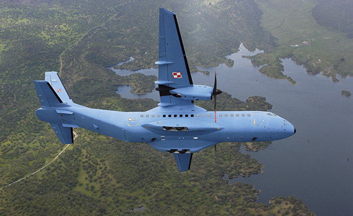Самолет ВВС Польши C-295M производства EADS CASA.