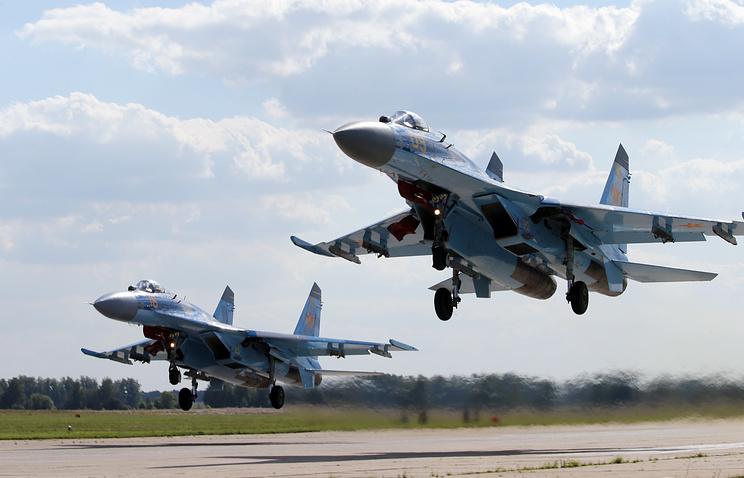 Самолеты Су-27 ВВС Казахстана.