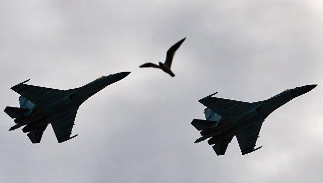 Самолеты-перехватчики Су 27. Архивное фото.