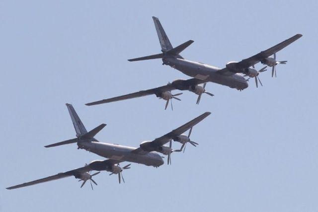 Самолёты Ту-95МС.