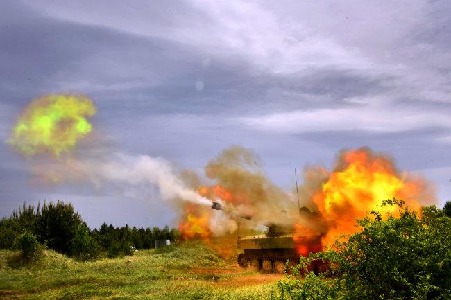 """САУ """"Гвоздика"""" получили новую электронику и зенитный пулемет в Сербии"""