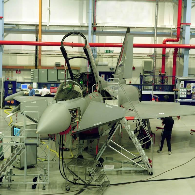 Сборка истребителя Typhoon.