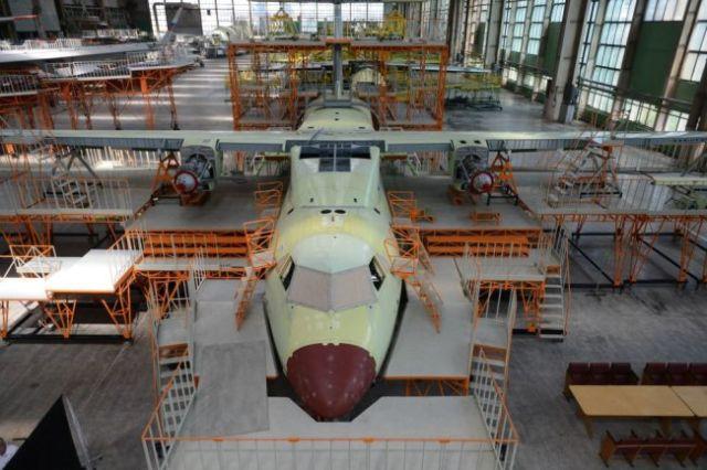 Сборка военно-транспортного самолета Ил-112