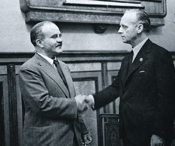 Сегодня пакт Молотова–Риббентропа принято увязывать с Мюнхенским сговором. Фото Михаила Калашникова