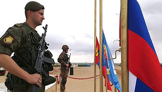 Церемония открытия российско-монгольского учения Селенга-2017 в пустыне Гоби в Монголии. 31 августа 2017.