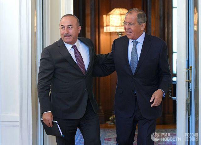 Сергей Лавров и МИД Турции Мевлют Чавушоглу во время встречи. 24 августа 2018