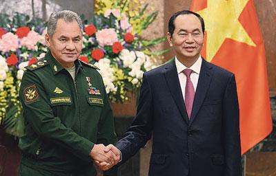 Сергей Шойгу с президентом Вьетнама Чан Дай Куангом.