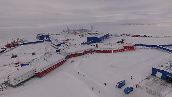 """""""Северный клевер"""" в Арктике: Минобороны показало новую военную базу"""