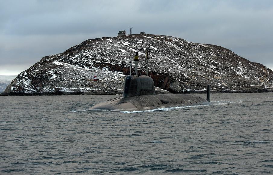 """Атомный подводный крейсер К-560 """"Северодвинск"""" проекта 885 Северного флота ВМФ России."""