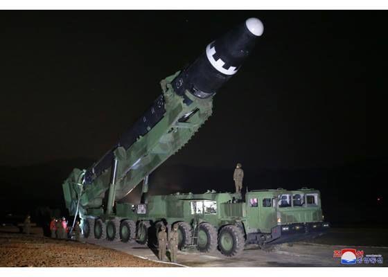 """Северокорейская ракета """"Хвасон-15"""""""