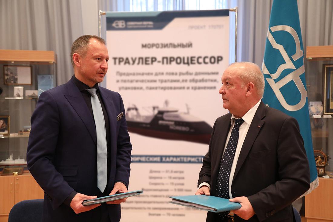 Северная верфь и Норебо подписали контракт В. Орлов и И. Пономарев.