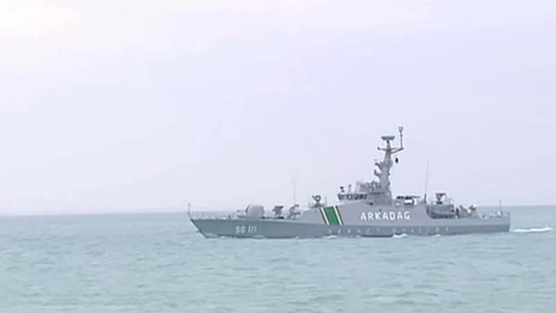Пограничный сторожевой корабль (катер) SG 111 Arkadag (турецкой постройки проекта NTPB) Государственной пограничной службы Туркмении, оснащенный двумя пусковыми установками легкого корабельного зенитного ракетного комплекса ближнего действия MBDA SIMBAD-RC. 18.01.2017.