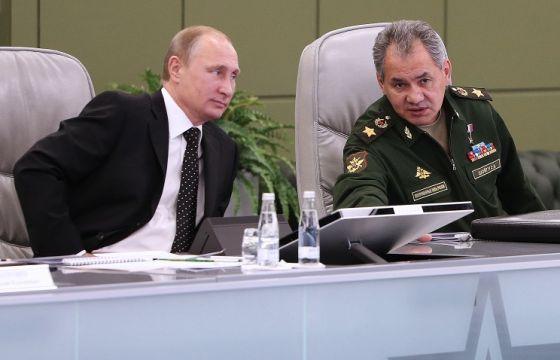 В. Путин и С. Шойгу