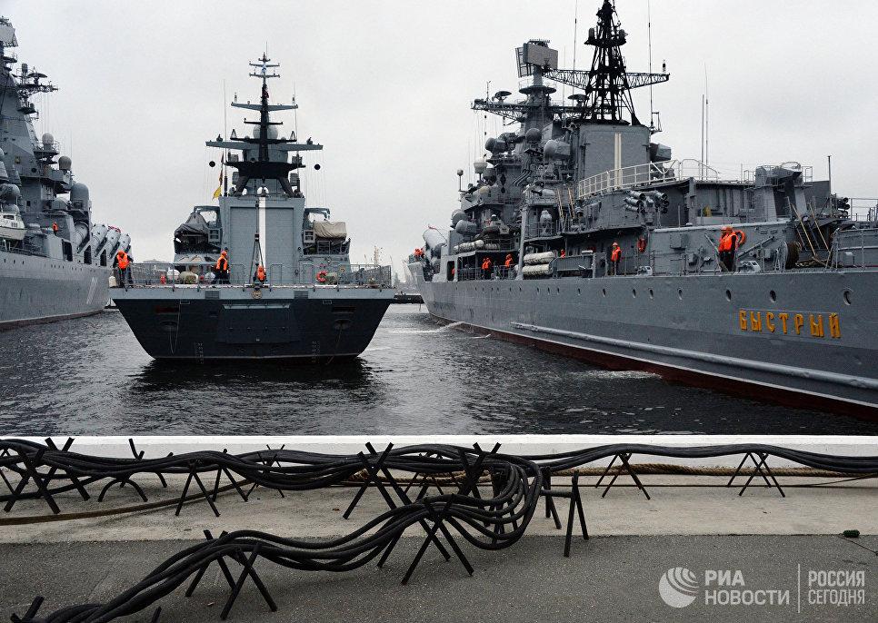 Швартовка корвета проекта 20380 Совершенный в порту Владивостока. Архивное фото.