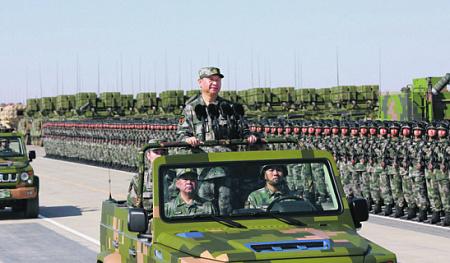 Си Цзиньпин уделяет особое внимание боевой готовности НОАК, как и его предшественники. Фото с сайта www.eng.mod.gov.cn