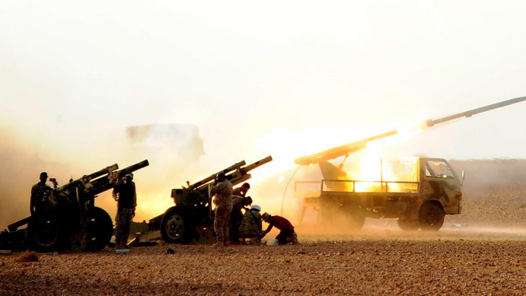 Сирийская артиллерия вДейр-эз-Зоре.
