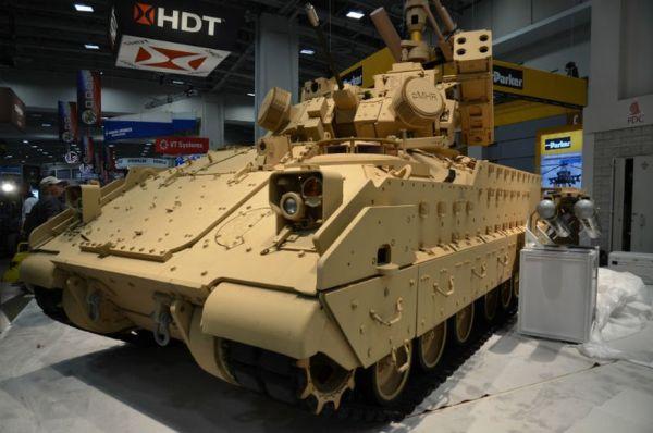 Система ПВО на базе БМП M2 Bradley.