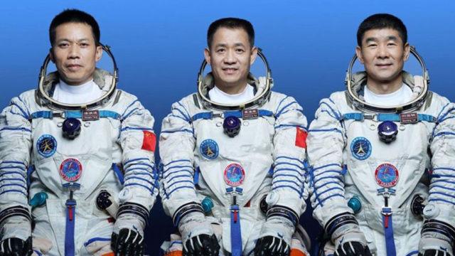 Экипаж «Шэньчжоу-12»