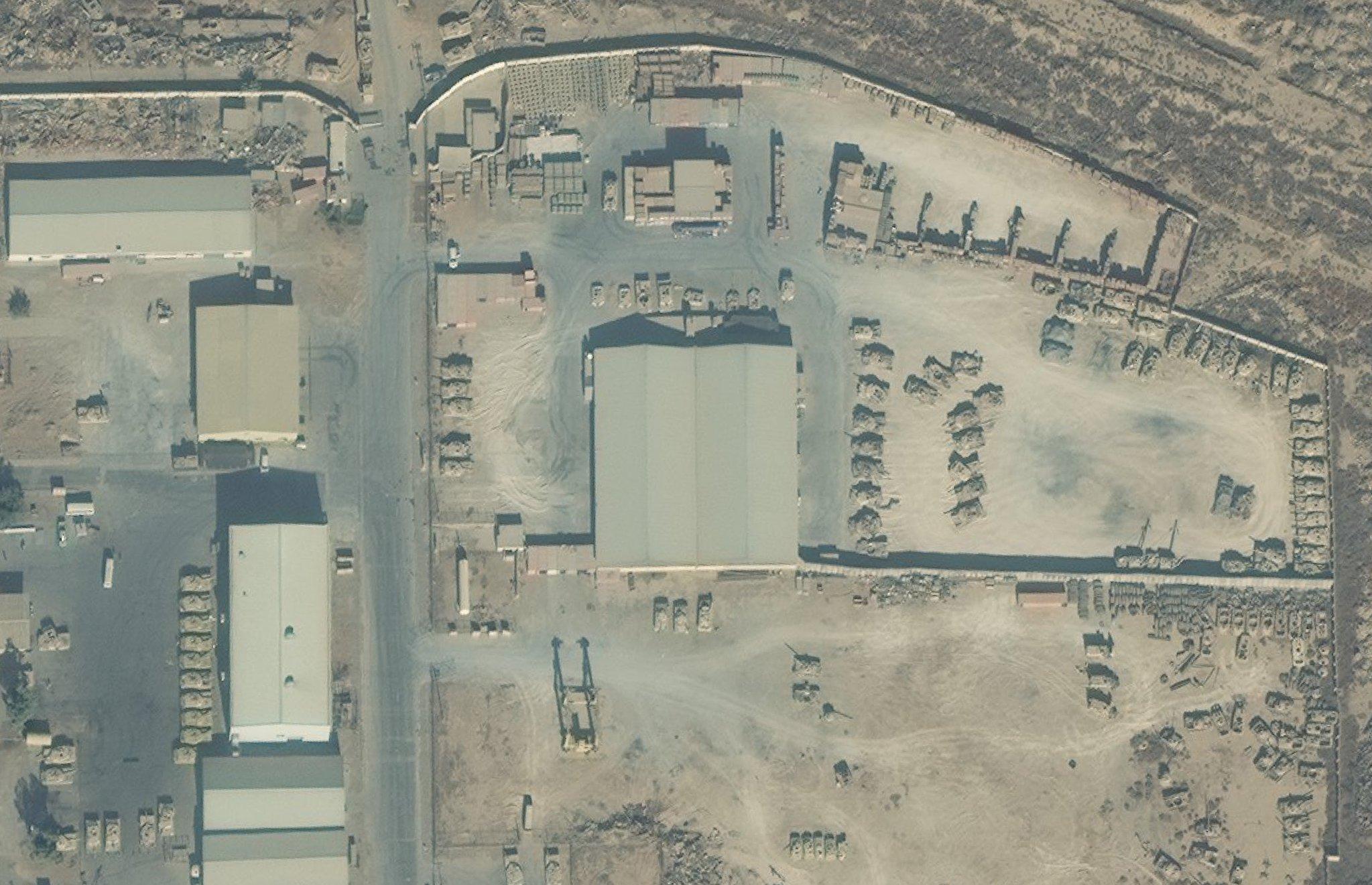 Скопище танков M1A1M Abrams на базе 9-й бронетанковой дивизии иракской армии в Таджи.