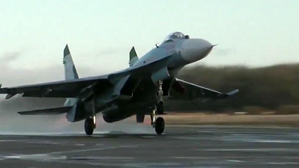 "Скриншот видео перехвата истребителем Су-27 самолета-разведчика ""Гольфстрим"" ВВС Швеции"