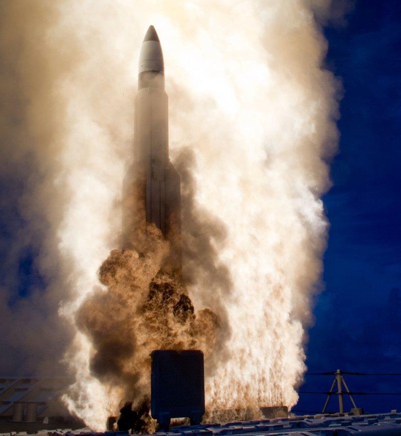Старт перехватчика SM-3 Block 1B с ракетного крейсера USS Lake Erie (CG 70). 18-е сентября 2013-го года.