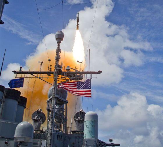 Пуск ракеты SM-3