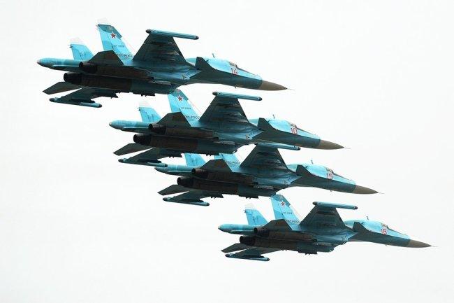 """Боевой """"утенок"""": в Китае восхитились мощью Су-34"""