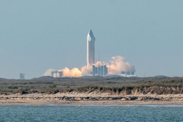 SpaceX отказалась от попытки испытательного полета