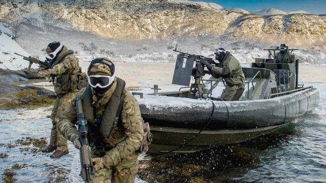 Солдаты норвежской армии во время учений НАТО