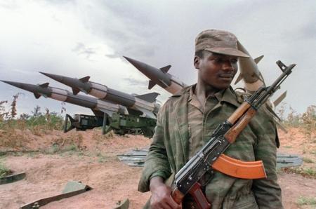 Военнослужащий ВС Анголы