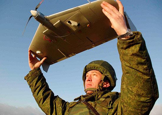 Военнослужащий с БЛА «Груша»