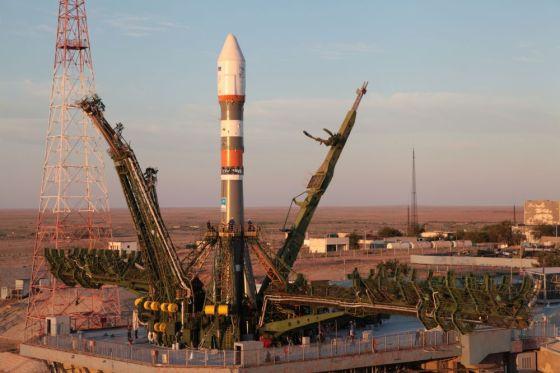 Подготовка к запуску ракеты «Союз-2.1а»