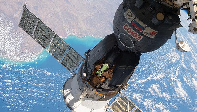 Стыковка корабля Союз МС-01 с МКС.