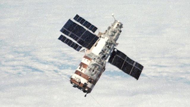 Советский «Салют-1» изначально проектировали и собирали в качестве орбитальной станции военного назначения