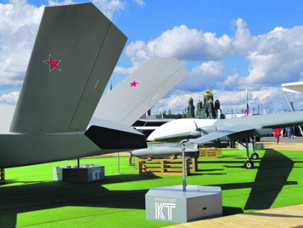Современная номенклатура БПЛА включает не только самолеты, но и средства поражения к ним. Фото Дмитрия Литовкина