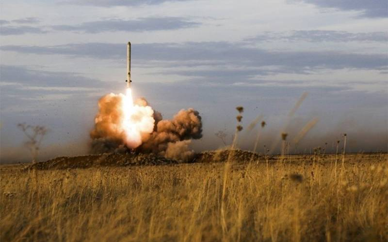 Пуск ракеты «Искандер».
