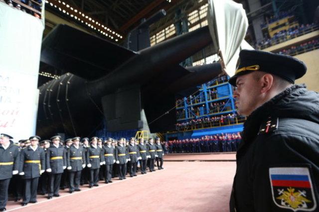 """Спуск на воду АПЛ """"Белгород"""" - первого носителя подводных беспилотных аппаратов """"Посейдон""""."""