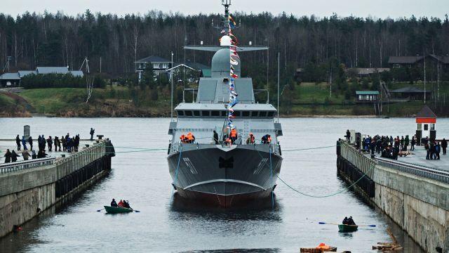 "Спуск на воду первого серийного малого ракетного корабля ""Тайфун"" проекта 22800"