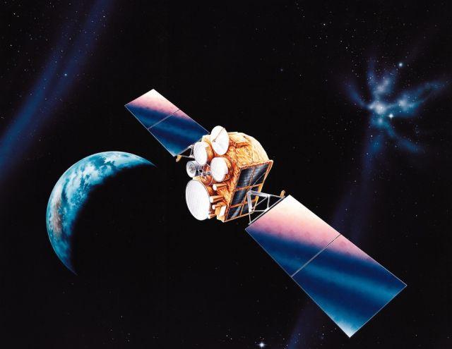 Спутник военной связи DSCS III.
