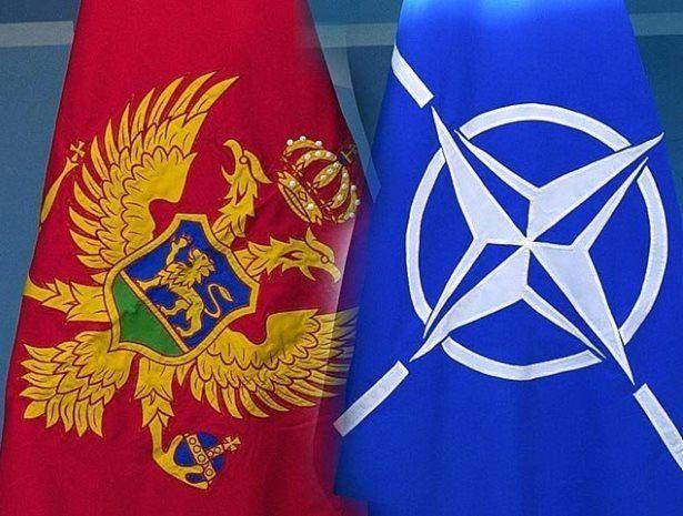 Флаги Черногории и НАТО
