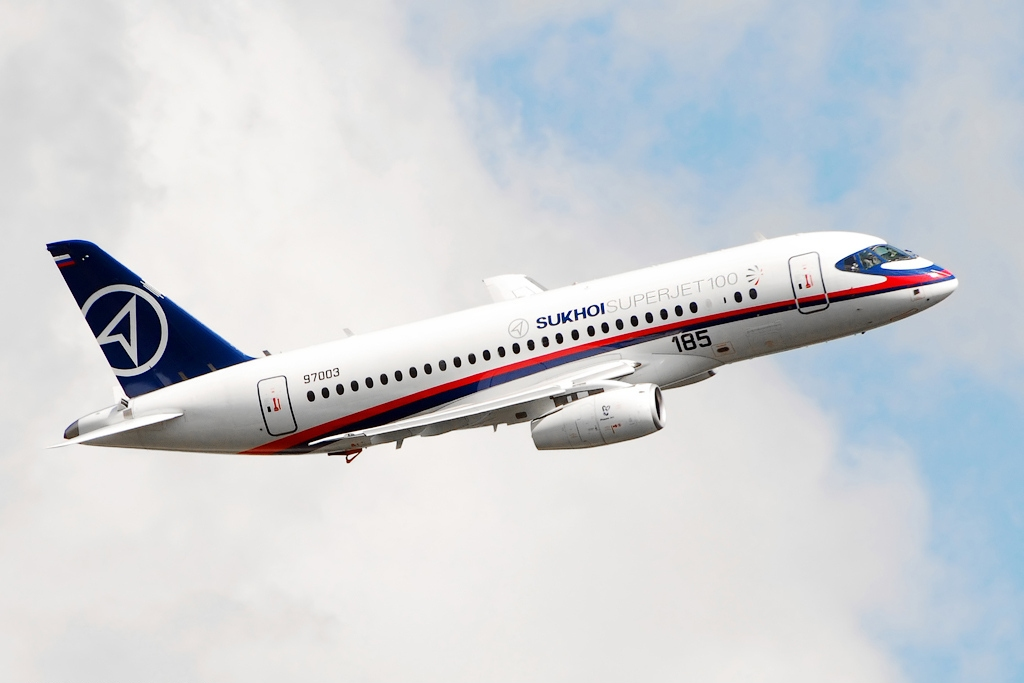 Самолет Sukhoi Superjet 100 (SSJ).